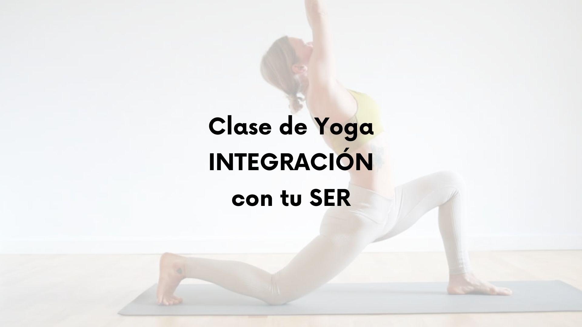 Clase de yoga para integrarse con el ser